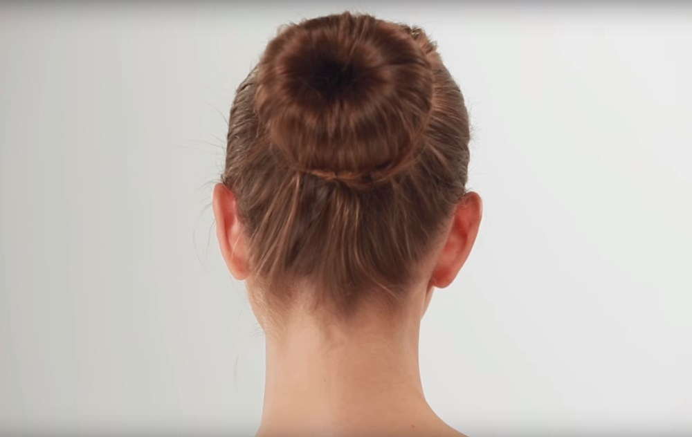 Donut bun hairstyle for summer months