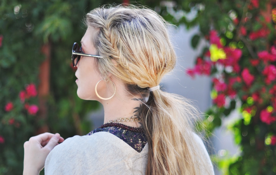 Low ponytail hairstyle for summer indian months