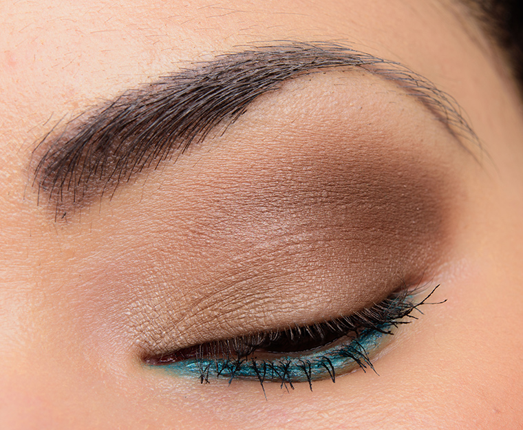 MAC brown eye shadow