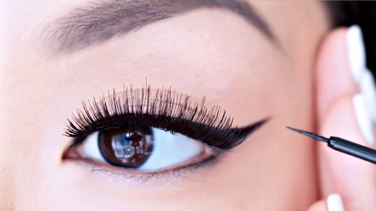 classic black eyelner - 10 Eyeliner Styles for Beginners - Step By Step Tutorial with Images
