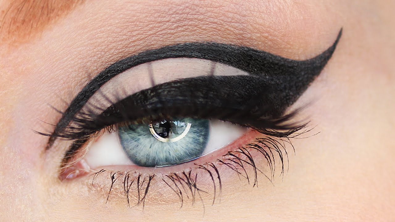 graphic eyeliner - 10 Eyeliner Styles for Beginners - Step By Step Tutorial with Images