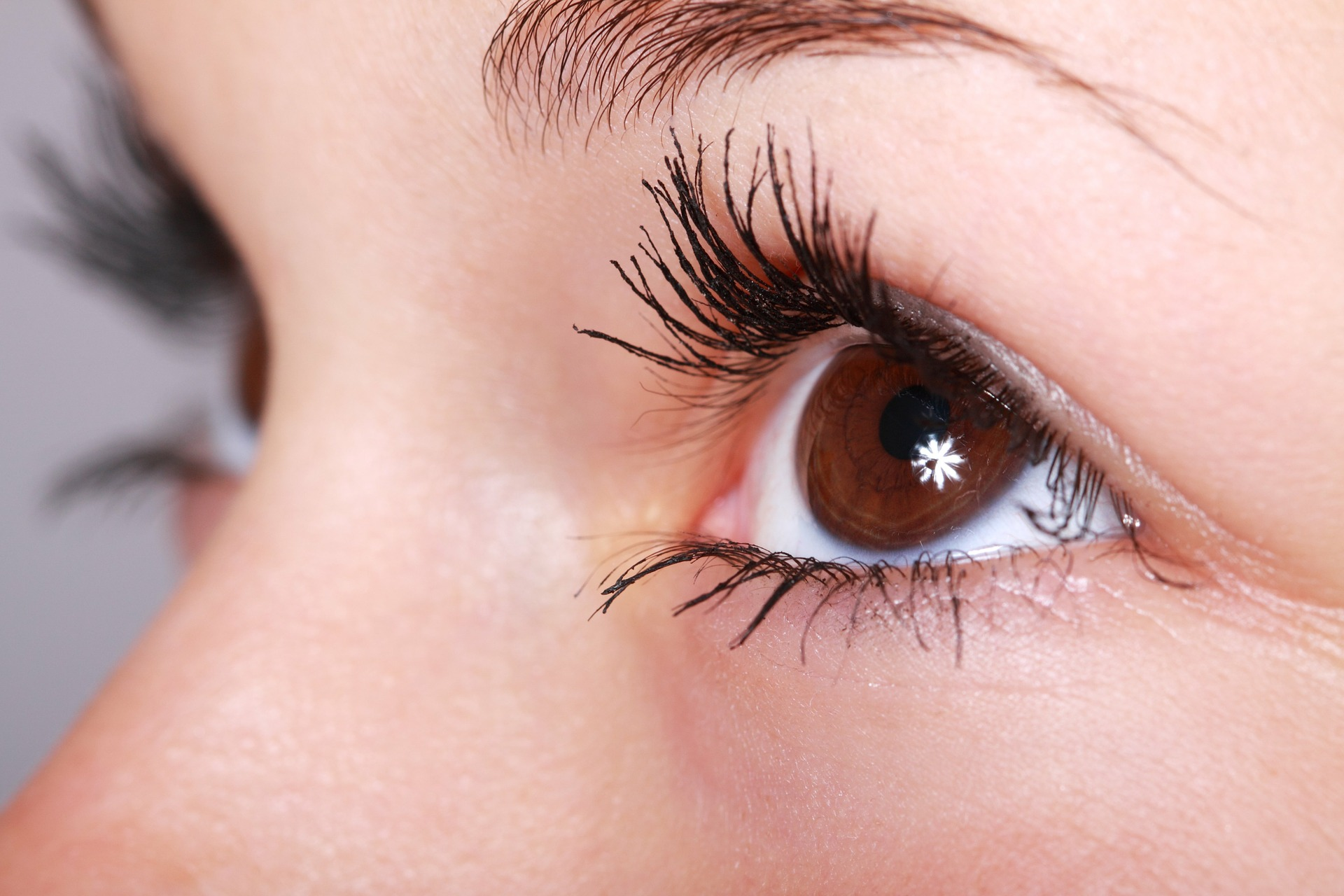 mascaras available in India - Know Best 10 Mascaras in 2018 for Length & Volume with Reviews & Price