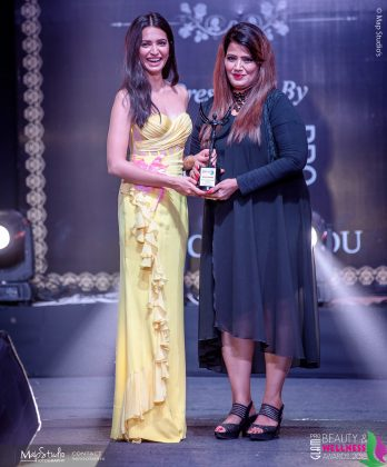 Anju Lamba Best International Celebrity makeup artist 348x420 - Glam Pro Beauty & Wellness Awards 2018 - Celebrity Presenter Actress Kriti Kharbanda and TV Superstar Manish Goel