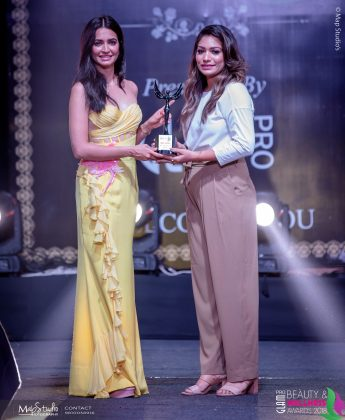 Divya Jaitly Most innovative Bridal Hair artist 345x420 - Glam Pro Beauty & Wellness Awards 2018 - Celebrity Presenter Actress Kriti Kharbanda and TV Superstar Manish Goel