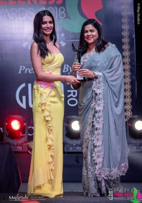Leena Best makeup artist Behrampur 294x420 - Glam Pro Beauty & Wellness Awards 2018 - Celebrity Presenter Actress Kriti Kharbanda and TV Superstar Manish Goel