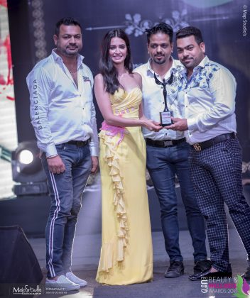 MAPS6374 352x420 - Glam Pro Beauty & Wellness Awards 2018 - Celebrity Presenter Actress Kriti Kharbanda and TV Superstar Manish Goel