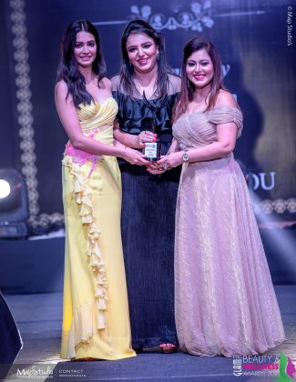 Monka Gunjan Best Designer South Delhi 325x420 - Glam Pro Beauty & Wellness Awards 2018 - Celebrity Presenter Actress Kriti Kharbanda and TV Superstar Manish Goel