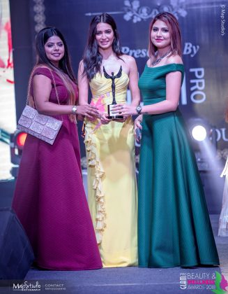 Sim Sona Best Bridal Makeup artist 1 327x420 - Glam Pro Beauty & Wellness Awards 2018 - Celebrity Presenter Actress Kriti Kharbanda and TV Superstar Manish Goel