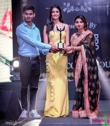 Sonu Ritu Leading Bridal makeup artist 369x420 - Glam Pro Beauty & Wellness Awards 2018 - Celebrity Presenter Actress Kriti Kharbanda and TV Superstar Manish Goel